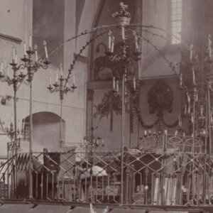 Tarnopol - interior of synagogue 1900 (1)